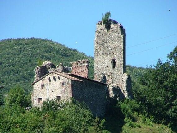 Castello Spinola di Borgo Fornari